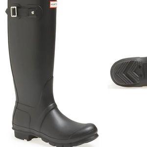 Matte Black Tall Hunter Rainboots